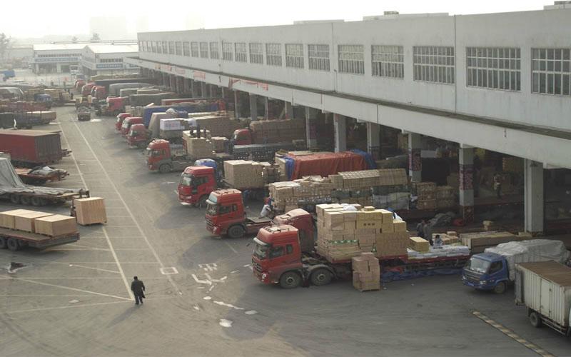 Hàng hoá được vận chuyển bởi các công ty chuyên vận chuyển hàng hoá Trung Việt