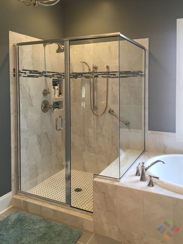 Phòng tắm kính trung quốc dưới nền đèn nâu